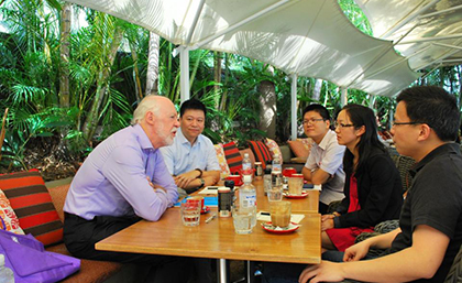 Meeting of researchers from Lingnan (University) College and UQ